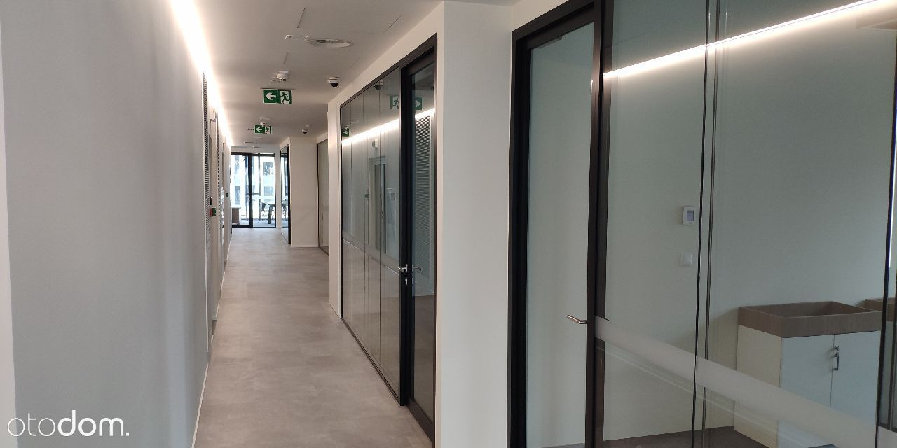 Biuro 1050 m2. Wola. Metro.