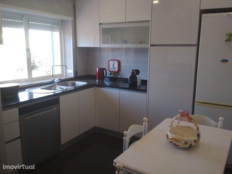 Apartamento remodelado c/ garagem - Vila do Conde
