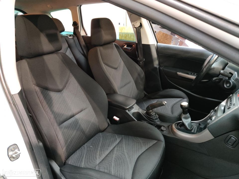 Peugeot 308 SW 1.6 HDi Active - 36
