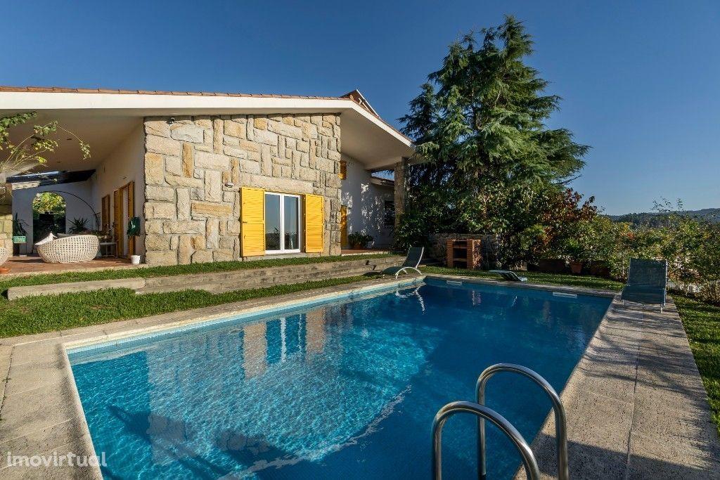 Moradia T3 | 3 Suites | Piscina | Jardins | Braga | Vilaça e Fradelos