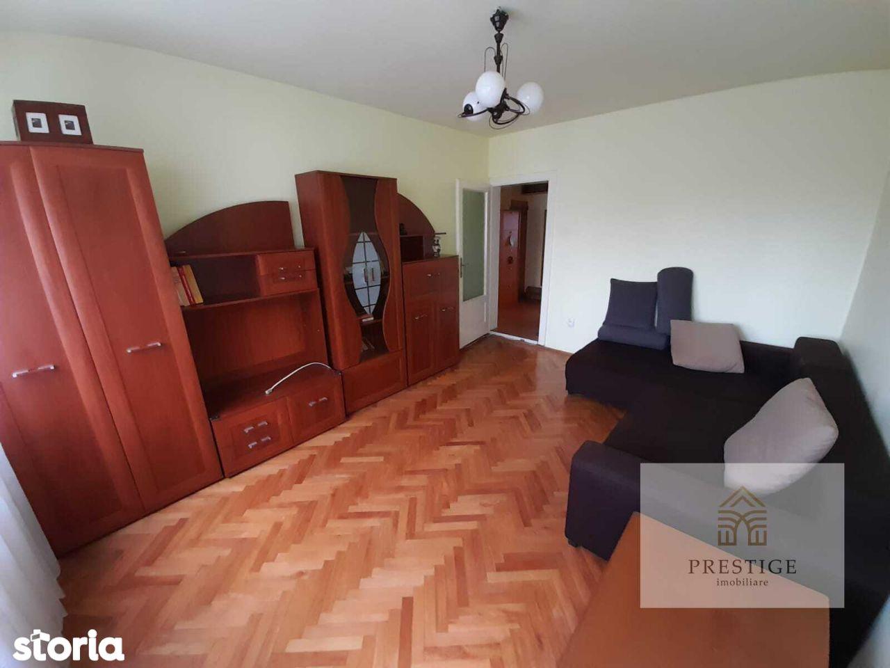 Apartament 2 camere de vanzare pe Splaiul Crisanei, Oradea
