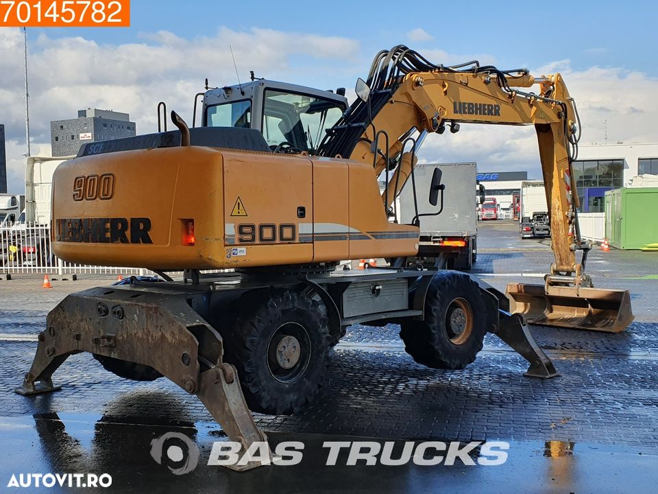 Liebherr A900C 4x OUTRIGGERS - 5