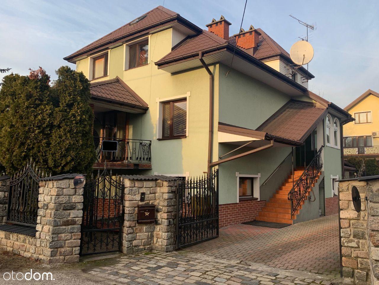 Dom w Wołominie, 2 osobne wejścia, 5 min od PKP