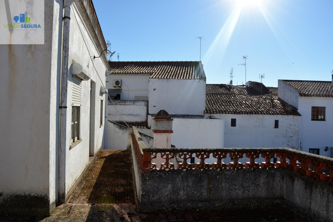 Moradia T6 | Centro da Cidade | Moura