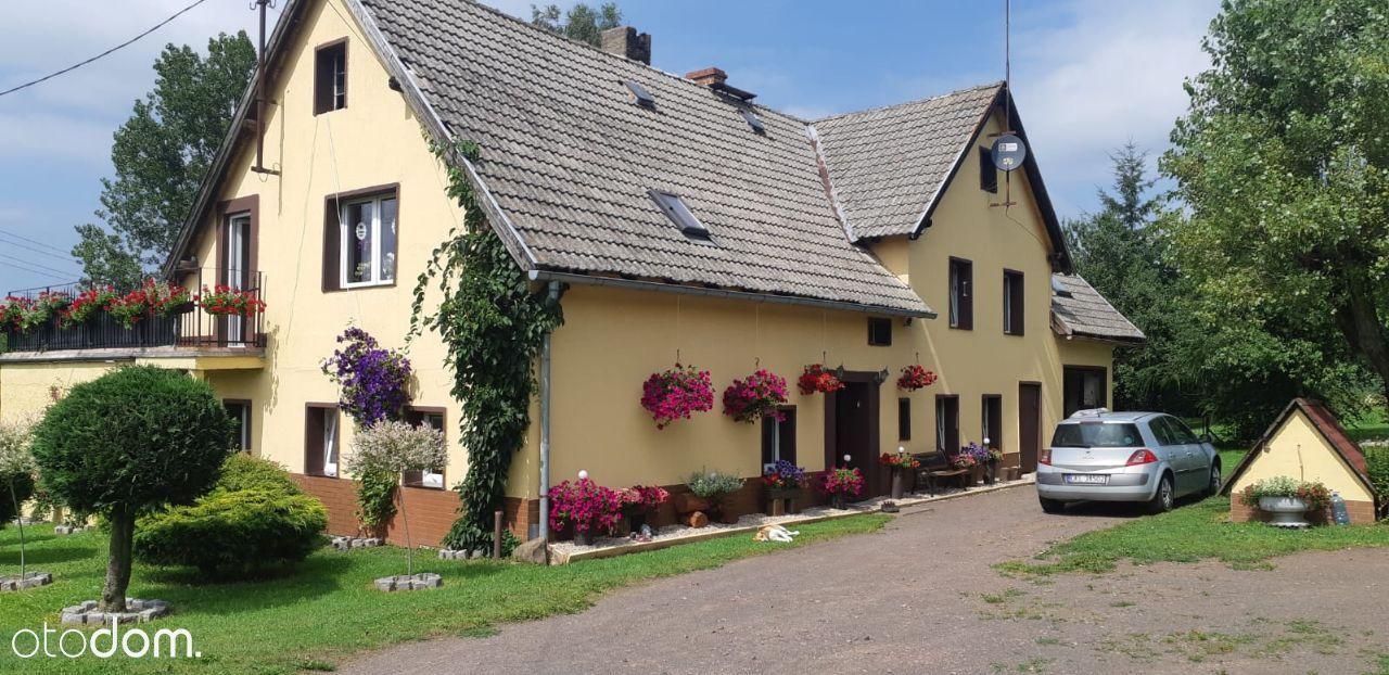 Dom w cichej okolicy 200m