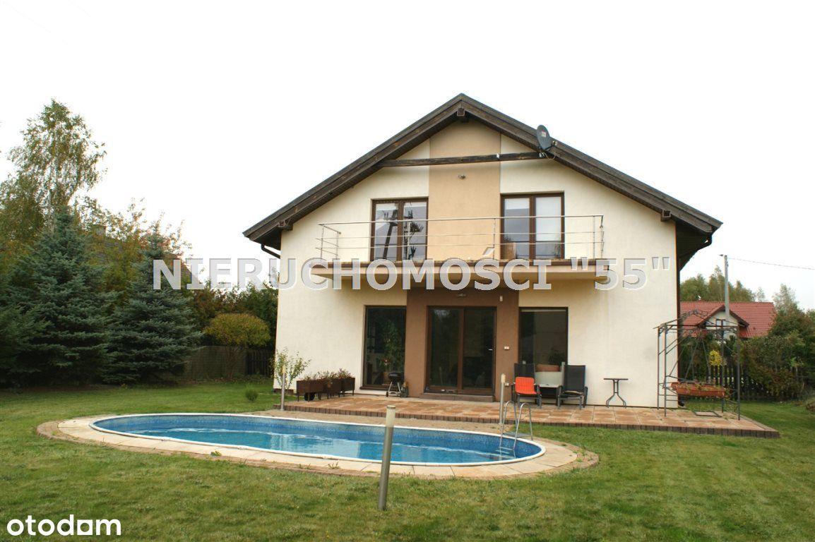 Atrakcyjny dom z działką w Janówce