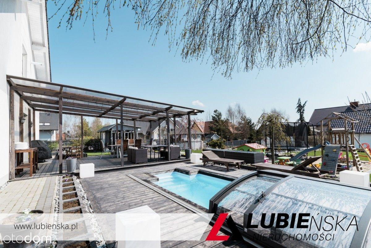 Dom z basenem i zautomatyzowanym ogrodem