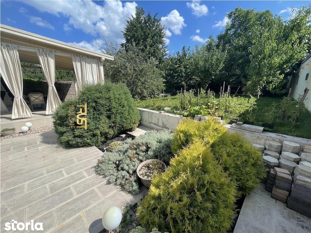Casa individuala, locuinta\/birou\/clinica, teren 820mp, 13 camere,
