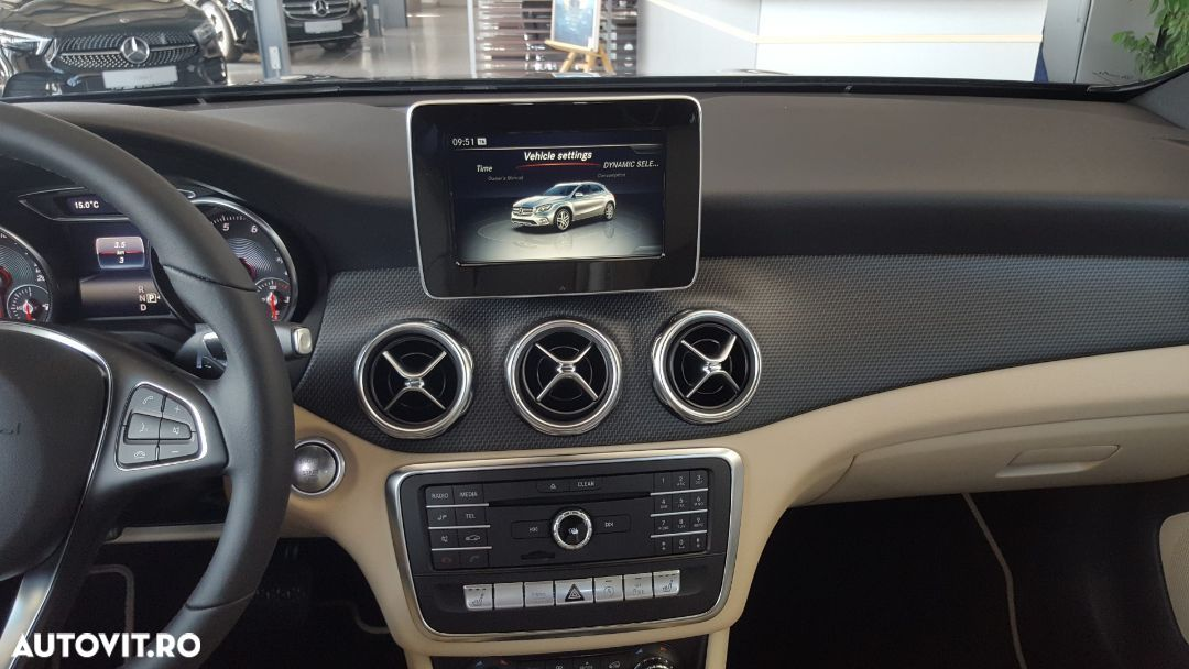 Mercedes-Benz GLA 180 - 23