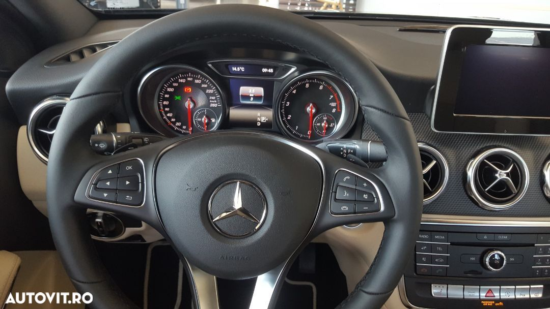 Mercedes-Benz GLA 180 - 14