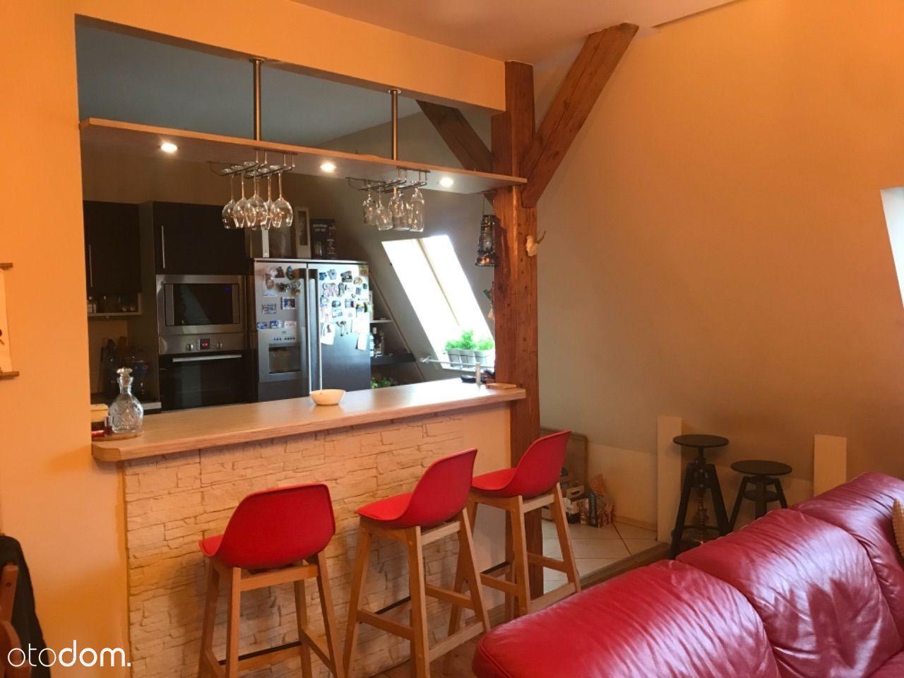 Wyjątkowe mieszkanie z klimatyzacją i kominkiem