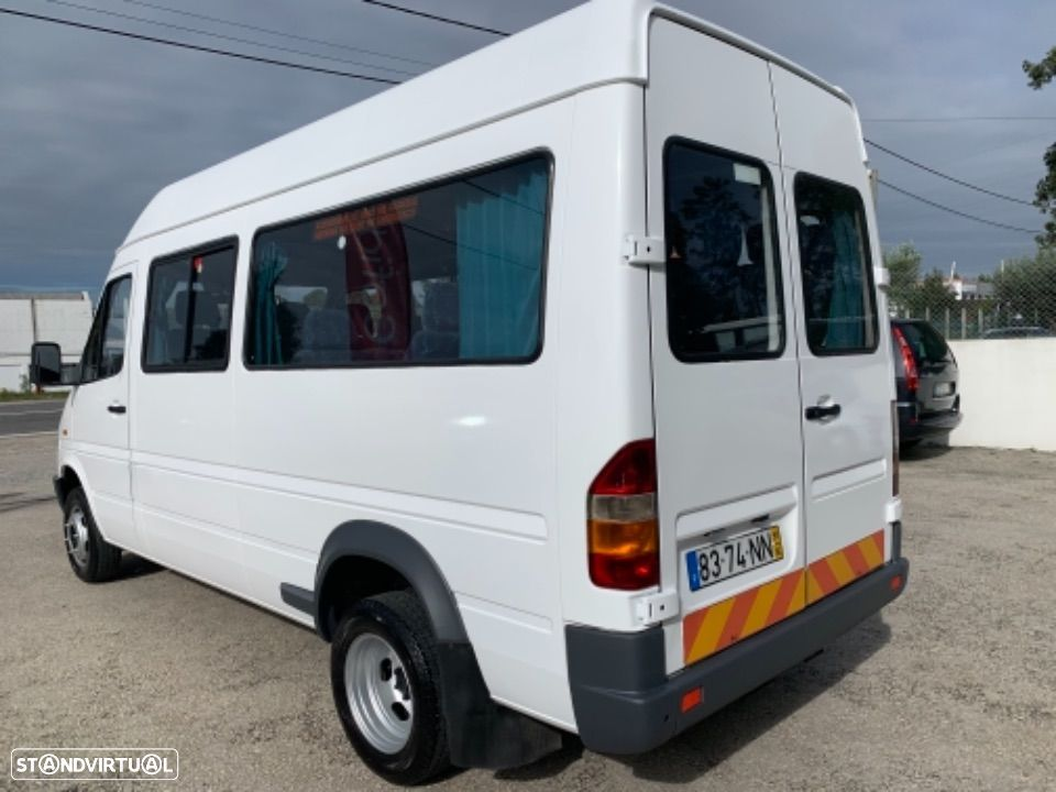 Mercedes Benz Sprinter 412 D  13 lugares - 1