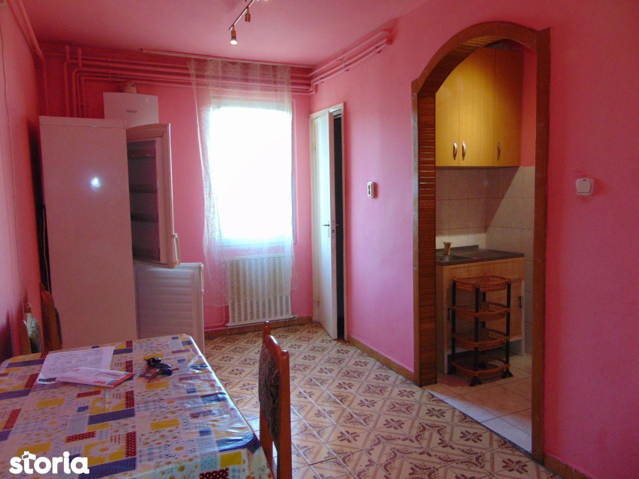 A/221 Apartament cu 2 camere în Tudor, etaj III din IV, zona Diamant