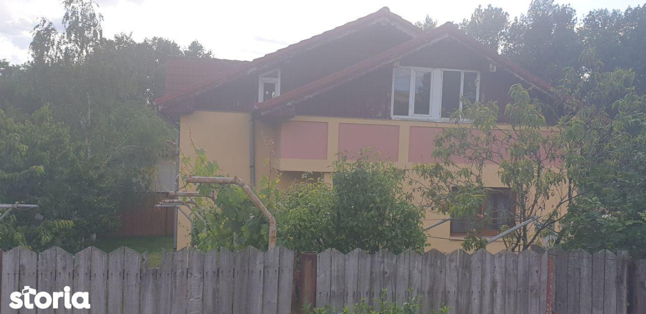 casa Simnicul de Sus sat Izvor