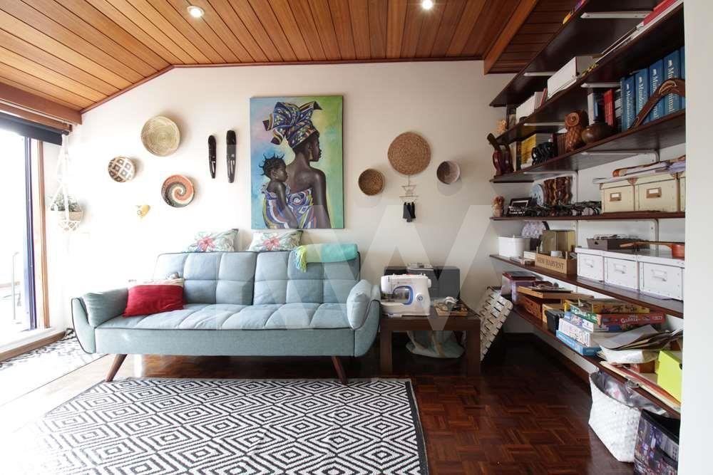 Apartamento T4+1 duplex em Esgueira