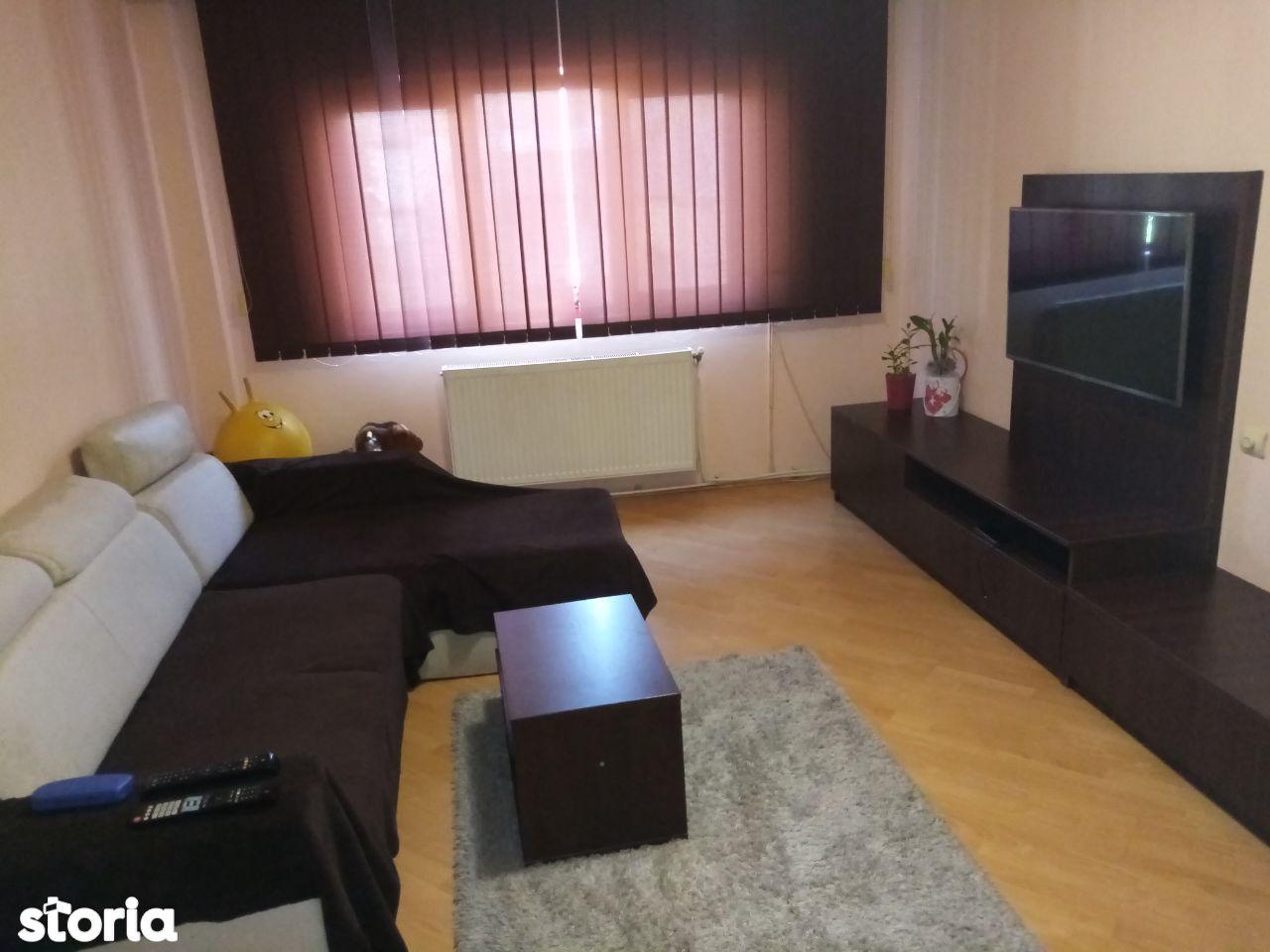 Apartament 4 camere decomandat,2băi,80 mp+ balcon,Deva Liliacului