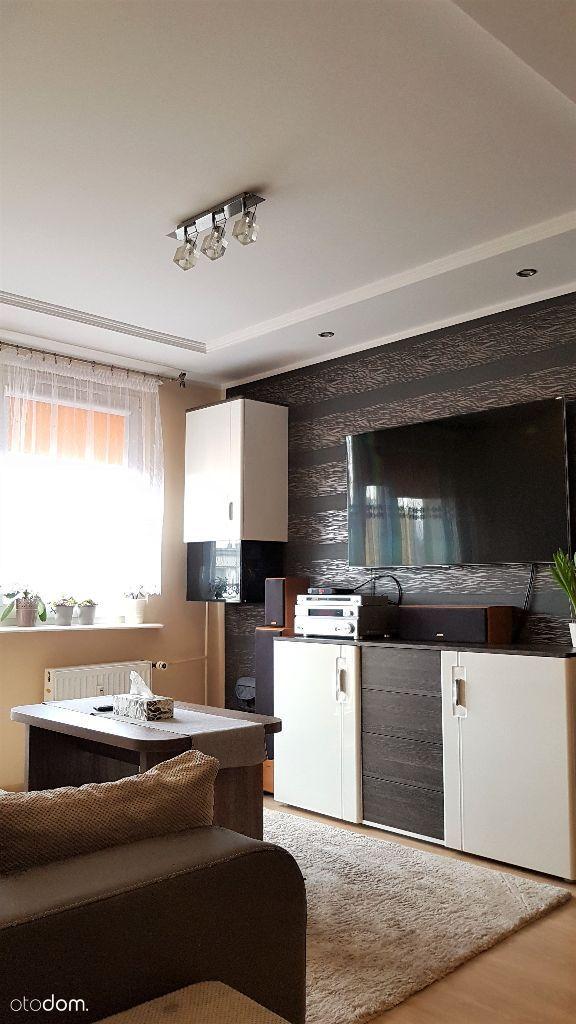 2 pokoje w bardzo dobrej lokalizacji.