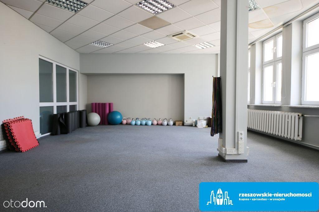Lokale handlowo-usługowe 308 m2 w centrum Rzeszowa