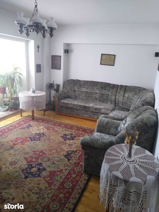 Rond Vechi CUG - apartament 4 camere decomandat