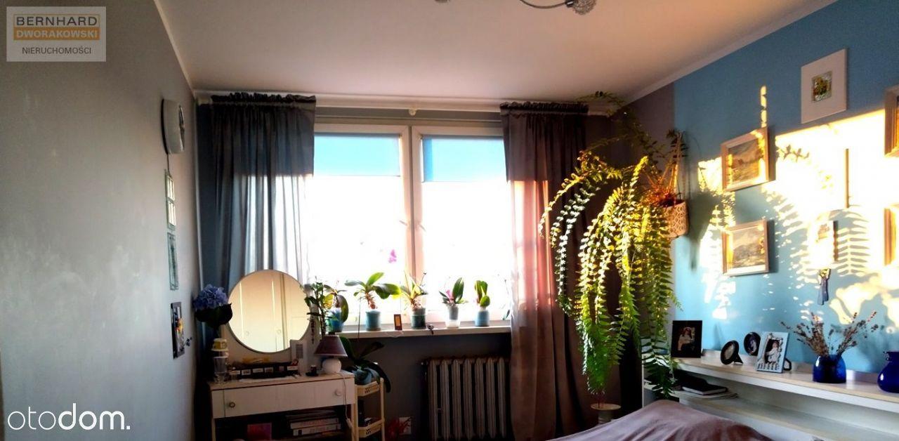 Mieszkanie 4 pokojowe, rozkładowe z klimatyzacją.