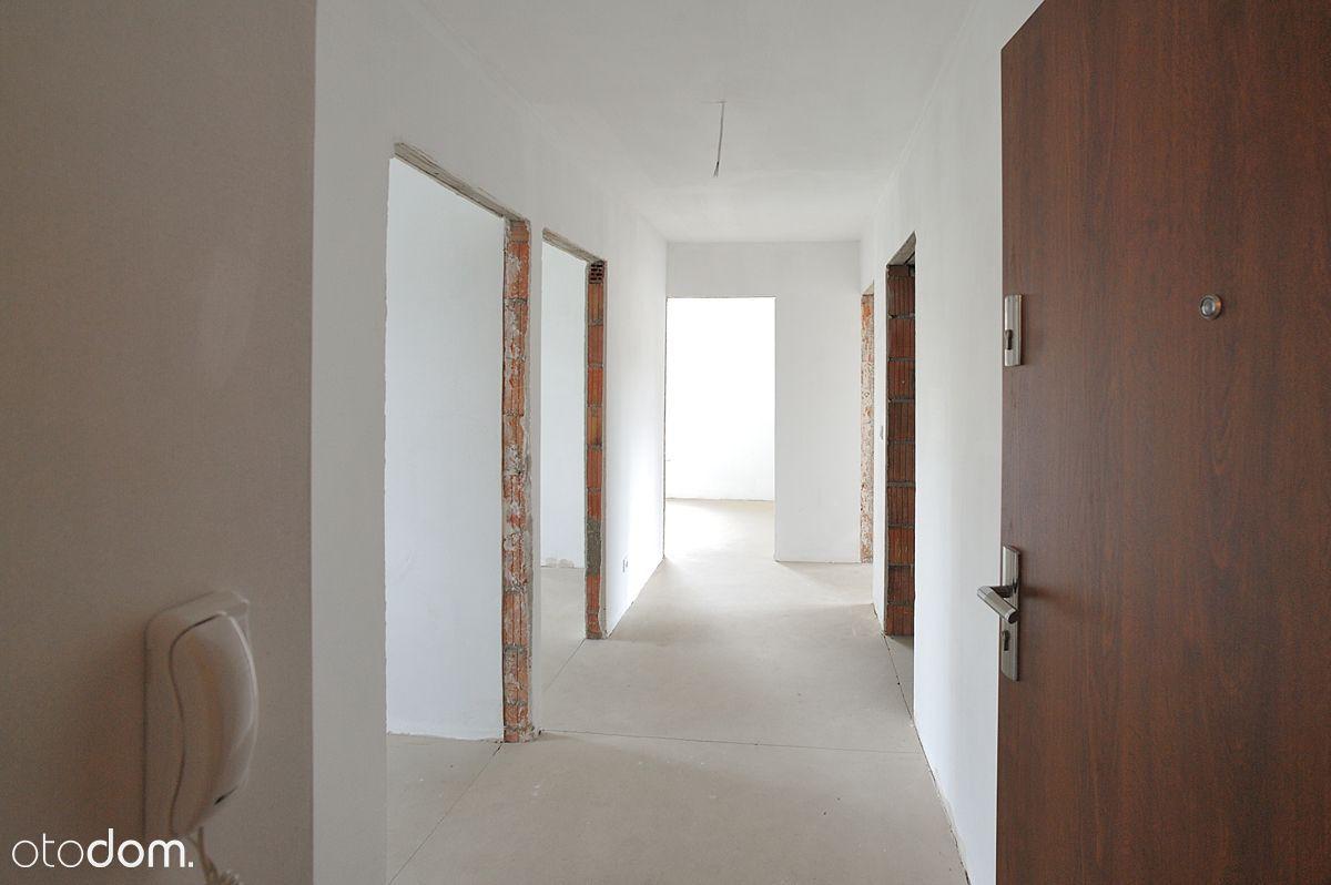 Przestronne trzypokojowe mieszkanie parter / 2-I-2