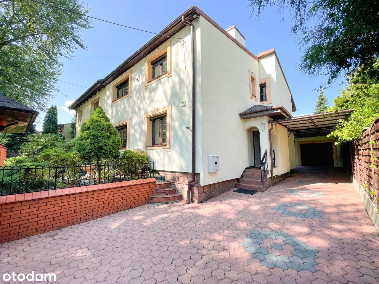 Dom z ogródkiem i garażem przy Arturówku, Marysin