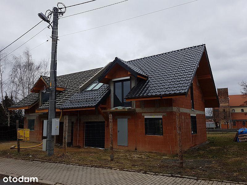 Dom w zabudowie bliźniaczej –Lubań, Pastelowa