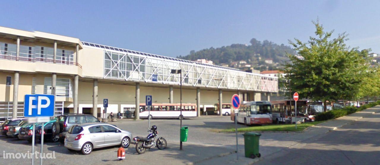 Loja no centro da cidade de Felgueiras para Serviços e Comércio