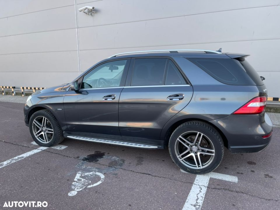 Mercedes-Benz ML 350 - 33