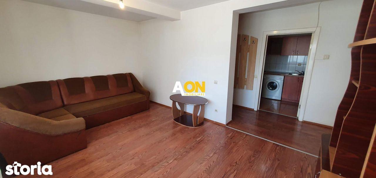 Apartament 4 camere, cu garaj, zona Casa de Pensii