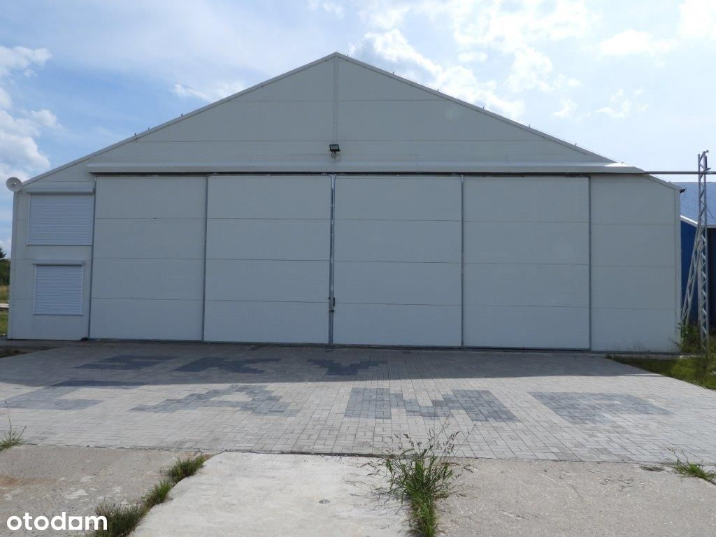 Hangar z powierzchnią biurową