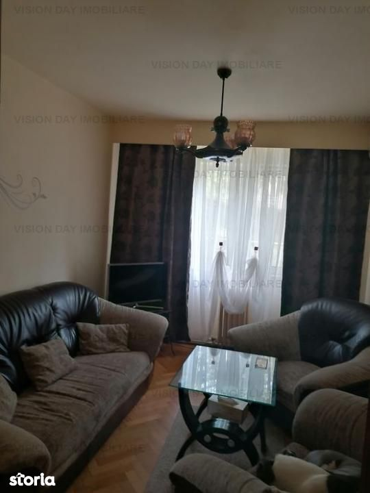 Apartament 4 camere, decomandat (zona Manastur)