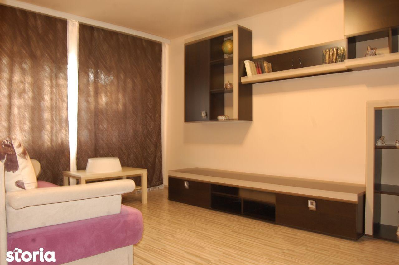 Dacia -Biserica Alba- Apartament cu 2 camere decomandate, parter
