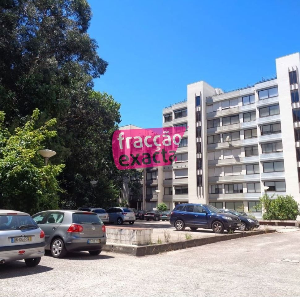 Apartamento T2 * Em Ramalde * Estacionamento Privativo