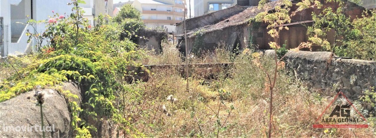 2 Lotes de terreno de 680 m2 na 2ª linha de mar, em Vila do Conde
