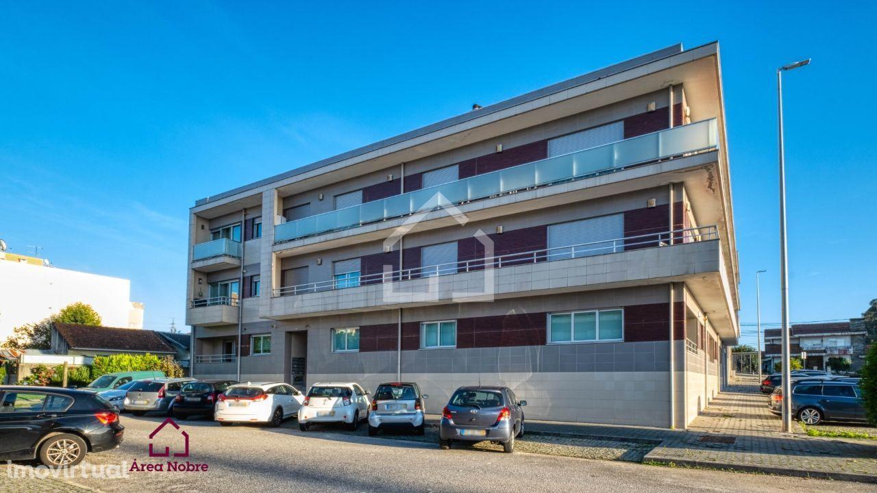 Apartamento T3 em Nogueira da Regedoura! Último Andar! Box p/ 1 carro!