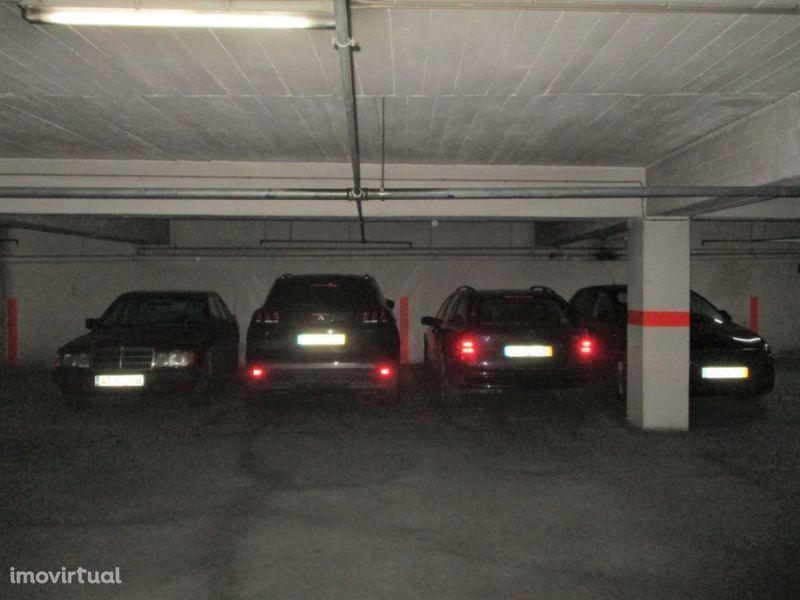 Garagem para comprar, Torres Vedras (São Pedro, Santiago, Santa Maria do Castelo e São Miguel) e Matacães, Torres Vedras, Lisboa - Foto 2
