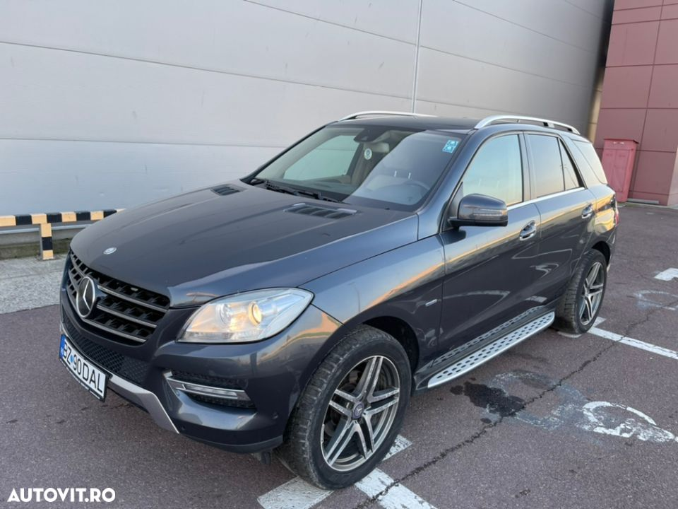 Mercedes-Benz ML 350 - 36