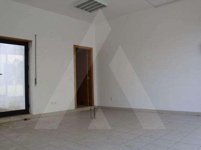 Loja para arrendar, Coimbra (Sé Nova, Santa Cruz, Almedina e São Bartolomeu), Coimbra - Foto 2