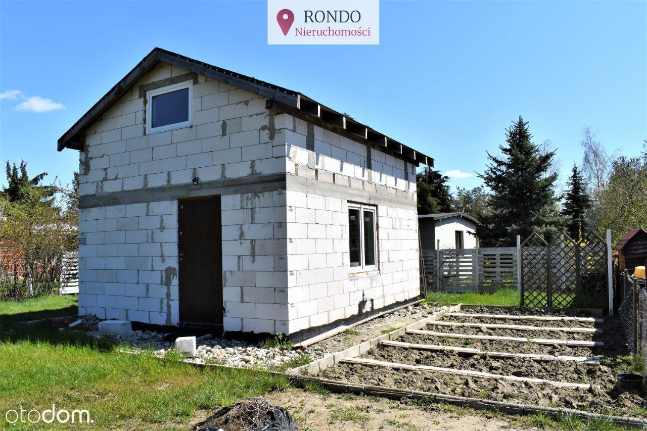 Działka rekreacyjna z murowanym domkiem w Kaliszu