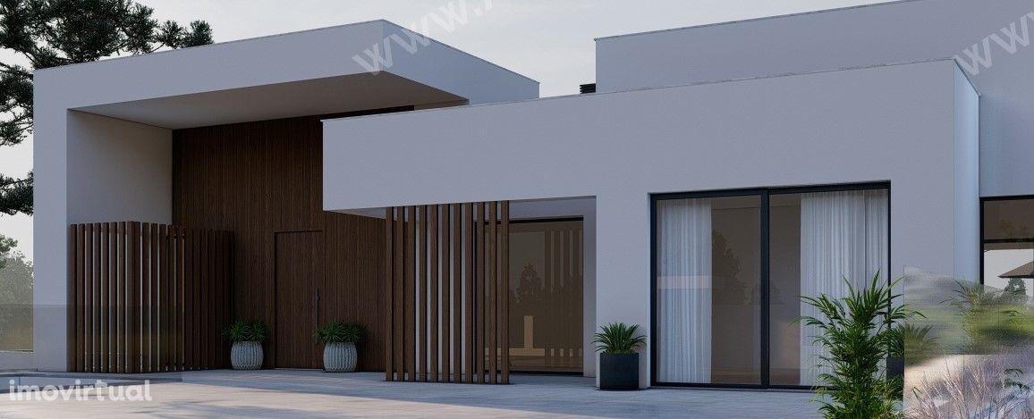 Moradia térrea T4 com 3 Suites, Piscina e Garagem - Lote 1500m2