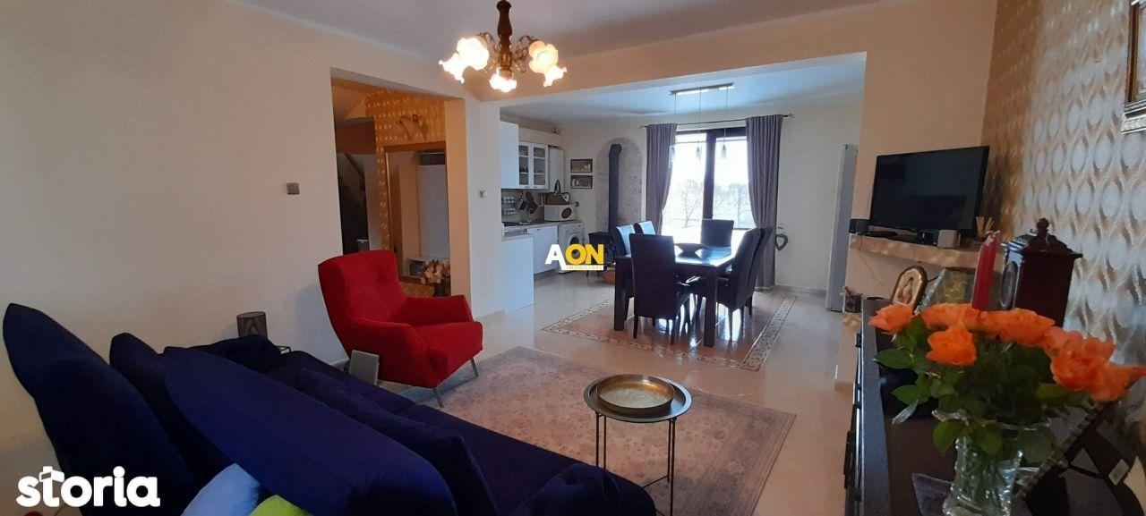 De vanzare apartament 3 camere, la vila, zona Alba Micesti