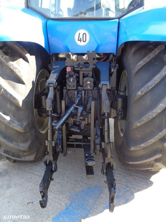 New Holland T8020 - 7