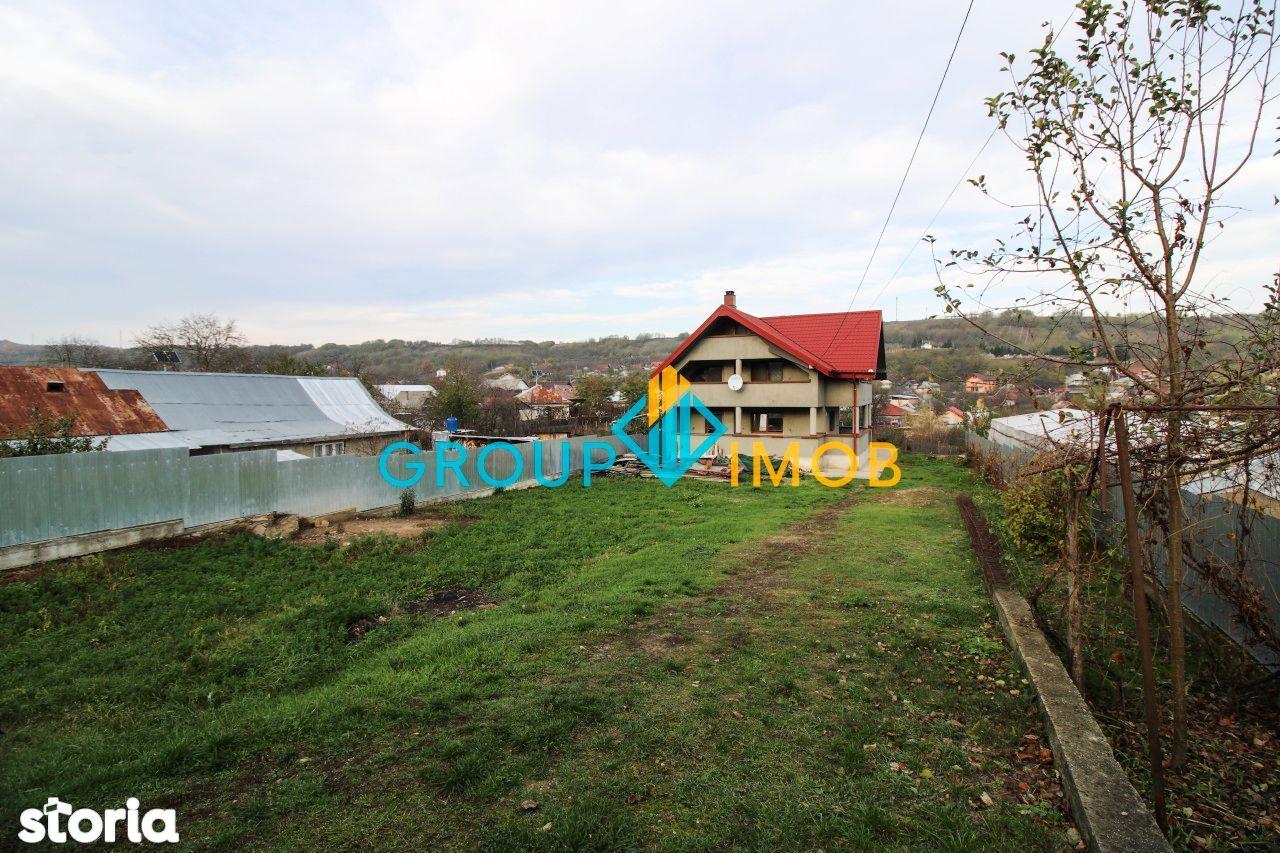 Vila P + M, 1000 mp teren Margineni Bacau