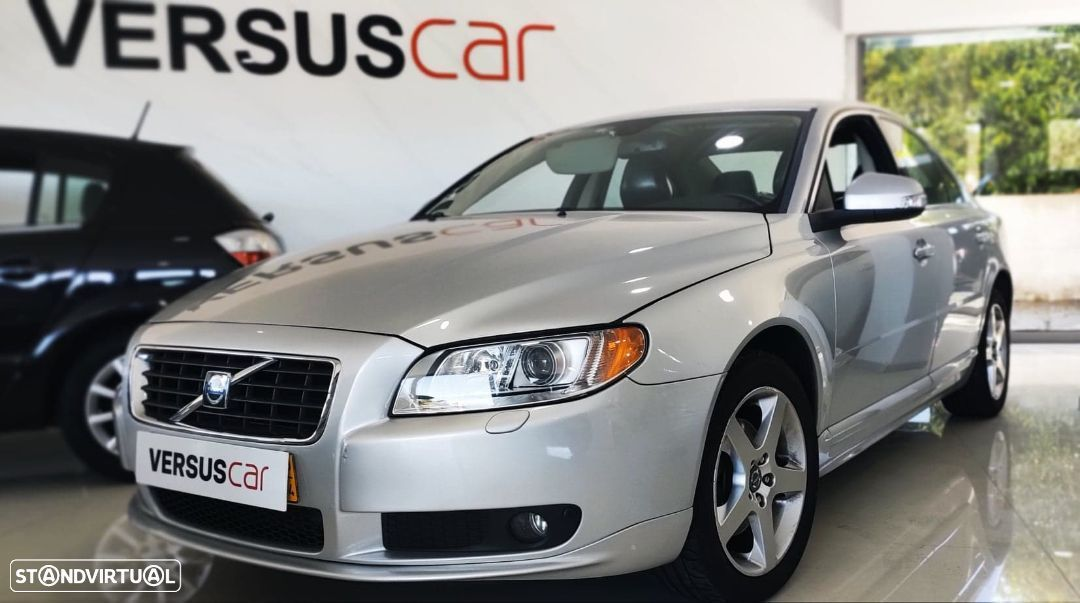 Volvo S80 2.4 D5 Momentum Geartronic - 1