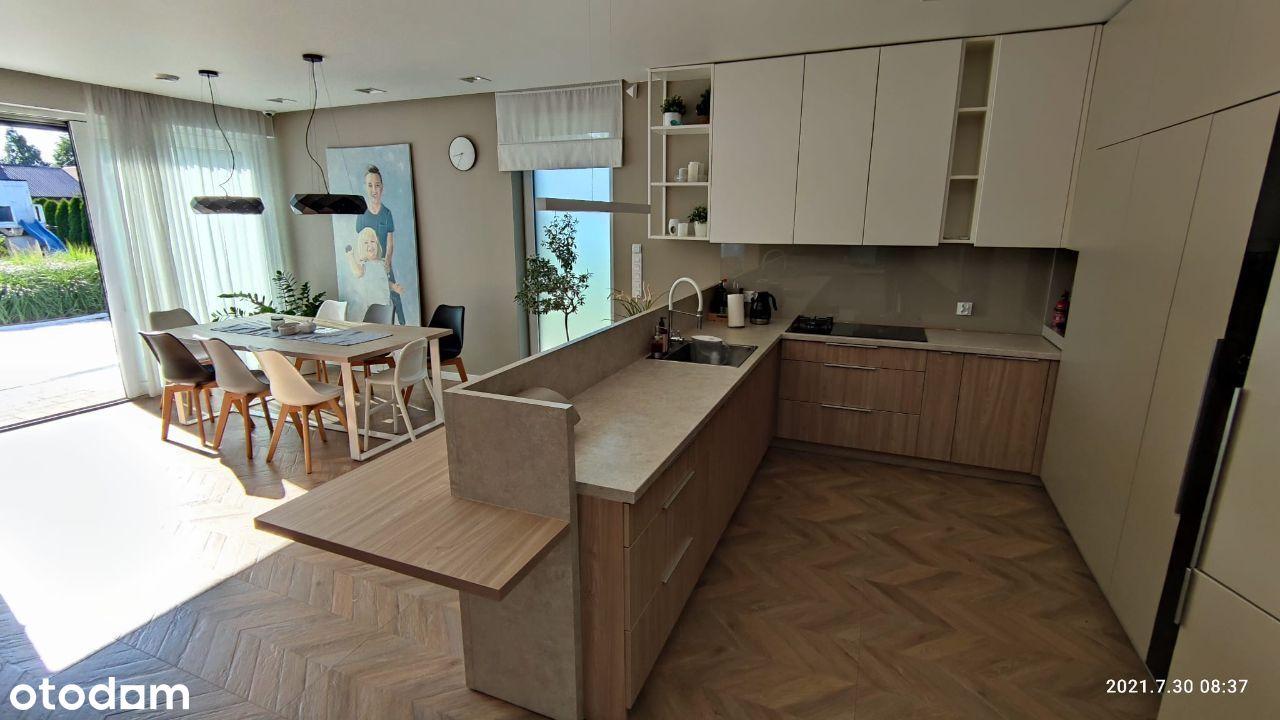 Dom energooszczędny nowoczesny w nowej dzielnicy