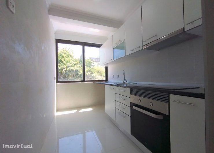 Apartamento T3 no Laranjeiro, totalmente remodelado. Ref. 5703
