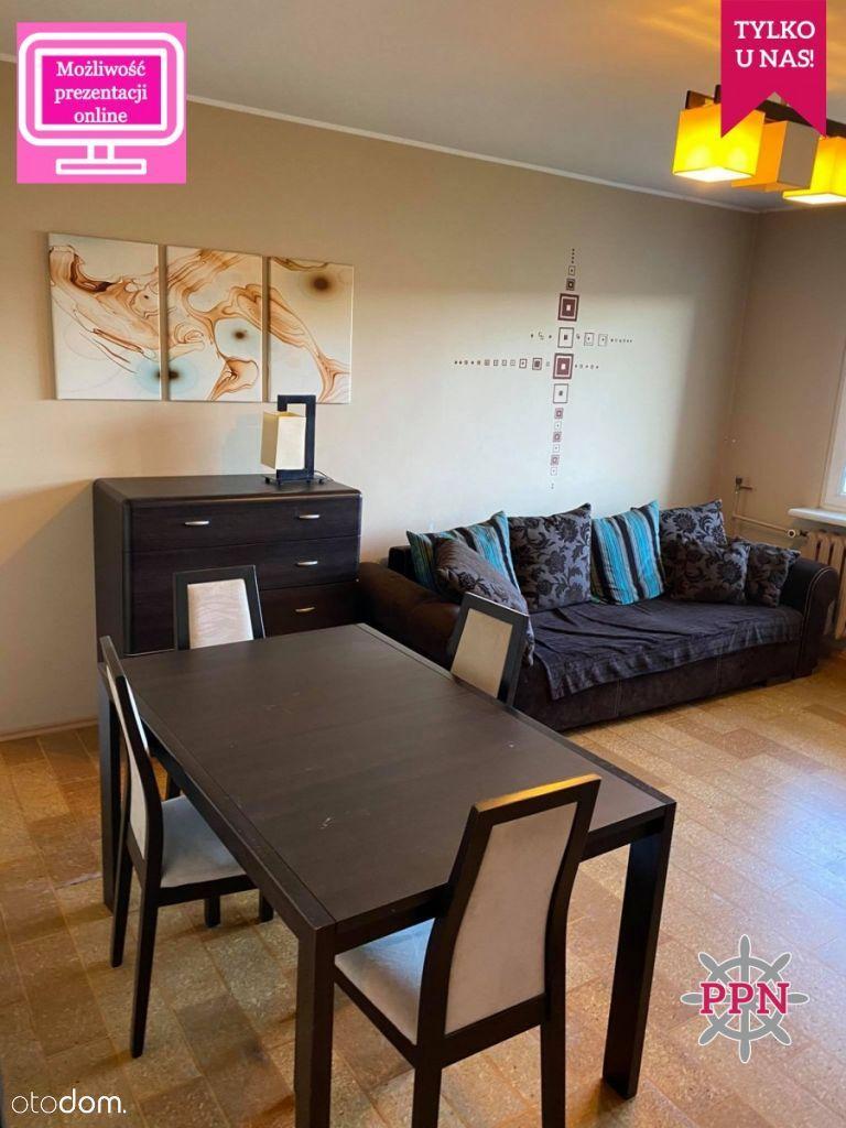 Komfortowe mieszkanie w doskonałej lokalizacji.