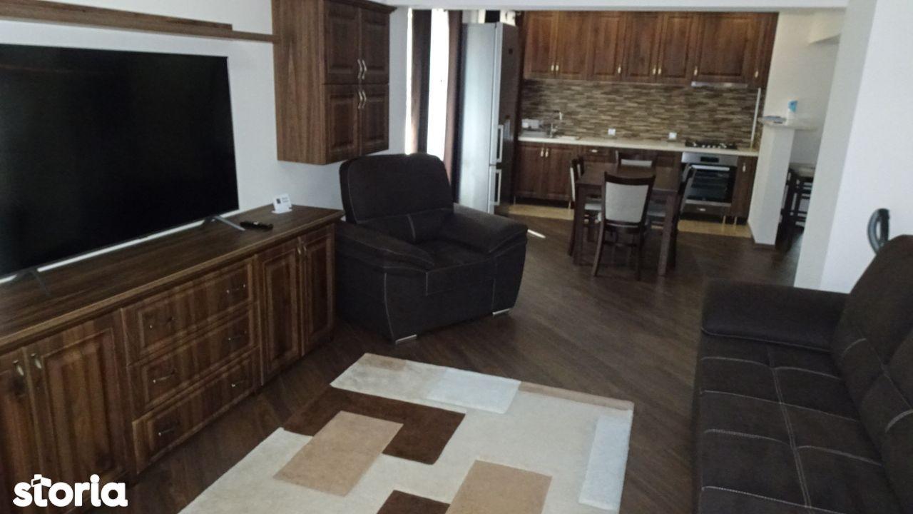 Vand apartament 3 camere decomandat in Deva, zona ultracentrala (Lido)