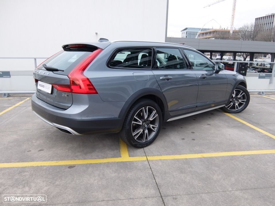 Volvo V90 Cross Country 2.0 D4 AWD Geartronic - 5
